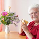 Какие цветы выбрать для бабушки, чтобы ей точно понравились?