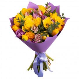 Букет из тюльпанов, нарциссов и роз