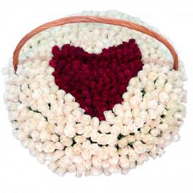 """Корзина из 501 розы """"Сердце"""""""
