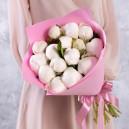 Букет цветов из 15 белых пионов в упаковке (Премиум)