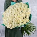 Букет из 101 белой розы 60-70 см (Эквадор) в упаковке