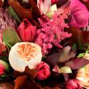 Букет из экзотических цветов в упаковке