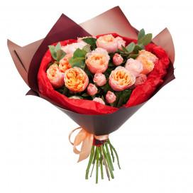 Букет из 15 голландских роз в упаковке