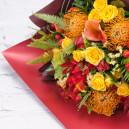 Букет из голландской розы с тюльпанами и каллами