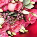 Букет из 9 роз с эустомой