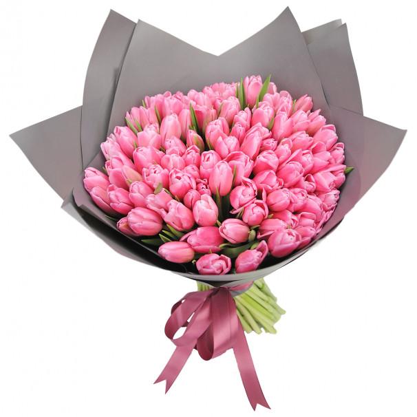 Букет цветов из 101 розового тюльпана в упаковке