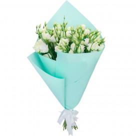 Букет цветов из 19 белых эустом в упаковке