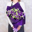 Букет цветов из 19 фиолетовых эустом в упаковке