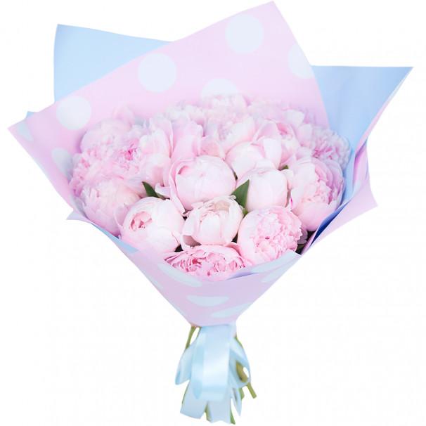 Букет цветов из 19 розовых пионов в упаковке (Стандарт)