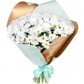 Букет цветов из 25 белых кустовых хризантем в упаковке