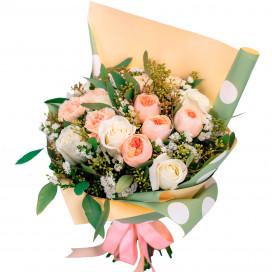 Букет цветов с розами и голландскими гвоздиками