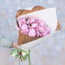 Букет цветов из 9 розовых пионов в упаковке (Премиум)