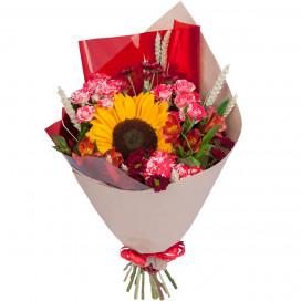 Букет цветов с подсолнухом, розами и альстромериями