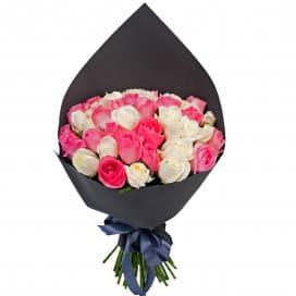 51 белая и розовая роза (Россия)