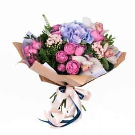 Букет цветов №110 из гортензии, цимбидиума и розы мисти бабблс
