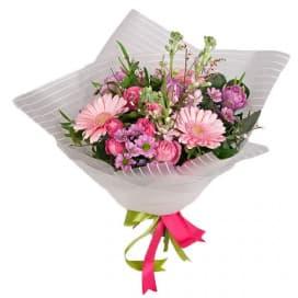 Букет цветов №106 из гербер, роз леди бомбастик и матиолы