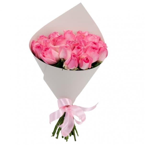 25 розовых российских роз в упаковке