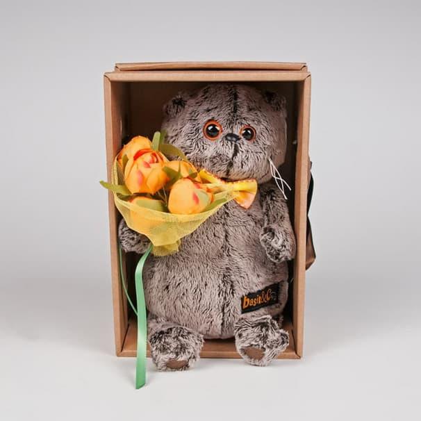 Игрушка Басик с букетом оранжевых пионов, 19см