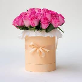 Хэт бокс из 25 розовых роз №14
