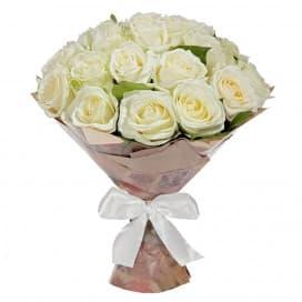 Букет 29 белых роз в крафтовой бумаге №249