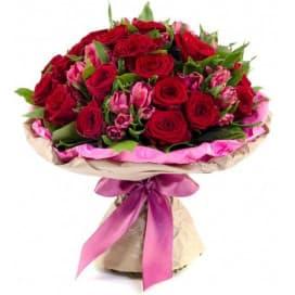 Нежный букет из эквадорских роз и альстромерий №161