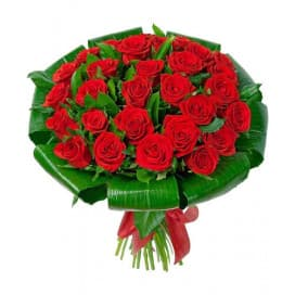 Великолепный букет из красной эквадорской розы и листьев аспидистры №185