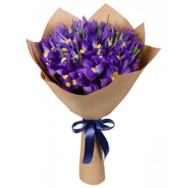 Фиолетовый букет цветов №246 из ирисов в крафтовой бумаге