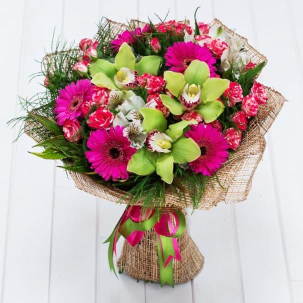 Букет №105 из розовых гербер, орхидей и роз