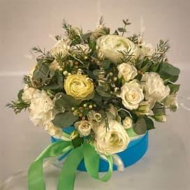 Букет из роз с веточками березы №706
