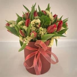 Букет из 25 тюльпанов в коробке №710