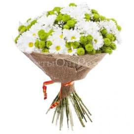 Летний букет №109 из гипсофил, хризантем