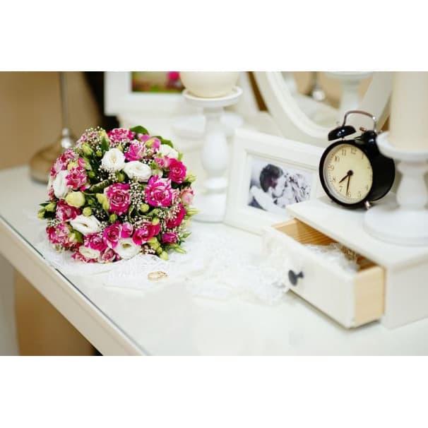 Свадебный букет СВ112 из кустовой розы и эустомы